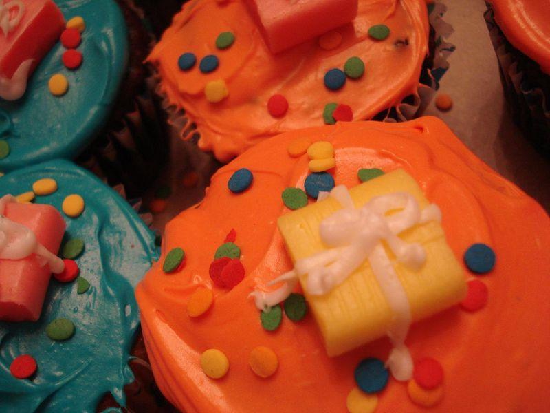 Happy bithday cupcakes