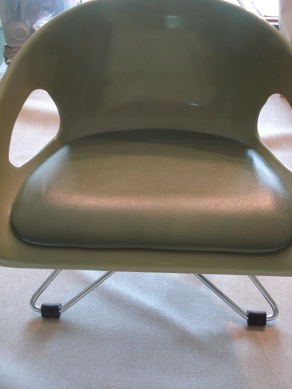 Eames booster 6